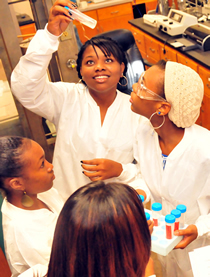 LU students in a lab