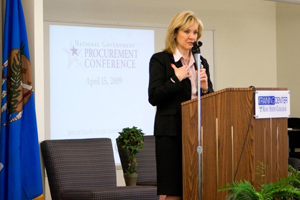 Photo of Mary Fallin speaking at Rose State College.