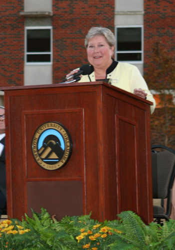 Photo of Lt. Gov. Jari Askins at CU's Business  Building dedication.